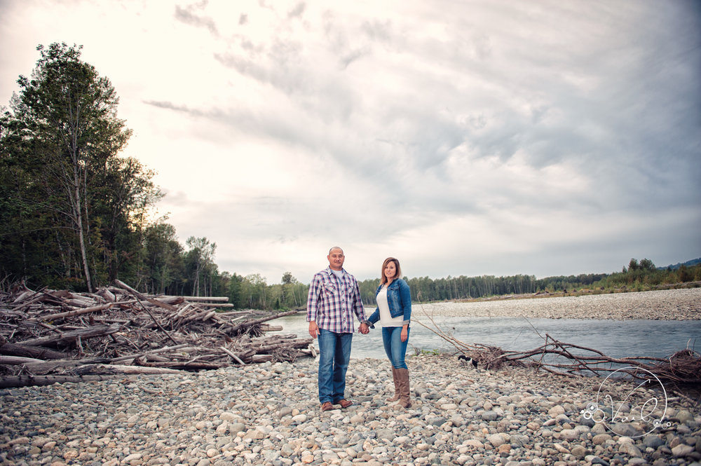 Engagement Session seattle wedding photographers family ranch--5.jpg