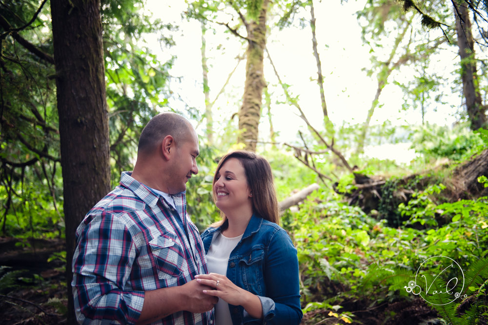 Engagement Session seattle wedding photographers family ranch--10.jpg