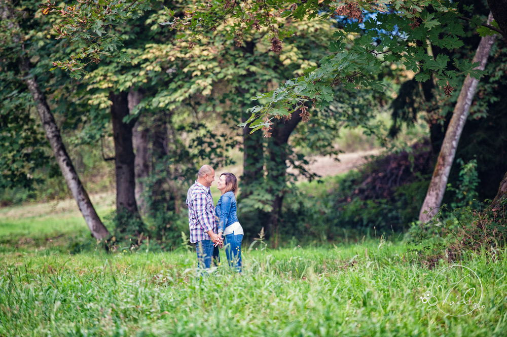 Engagement Session seattle wedding photographers family ranch--14.jpg