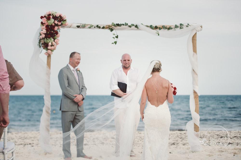 Cancun mexico destinatin wedding-35.jpg