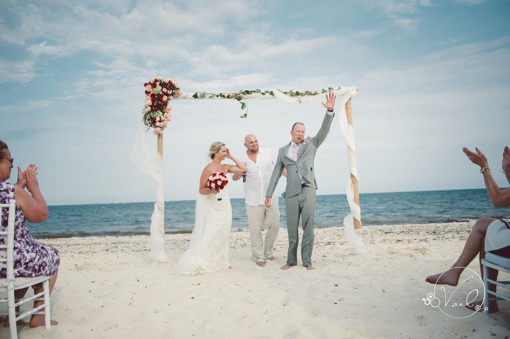 Cancun mexico destinatin wedding-40.jpg