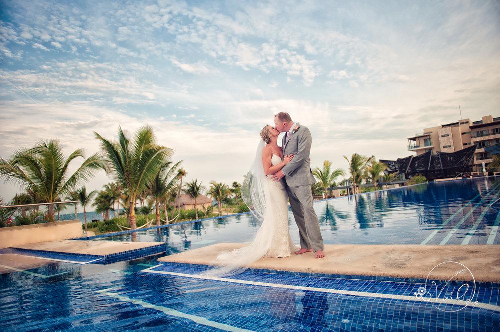 Cancun mexico destinatin wedding-45.jpg