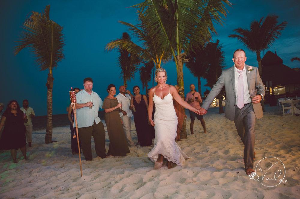 Cancun mexico destinatin wedding-47.jpg