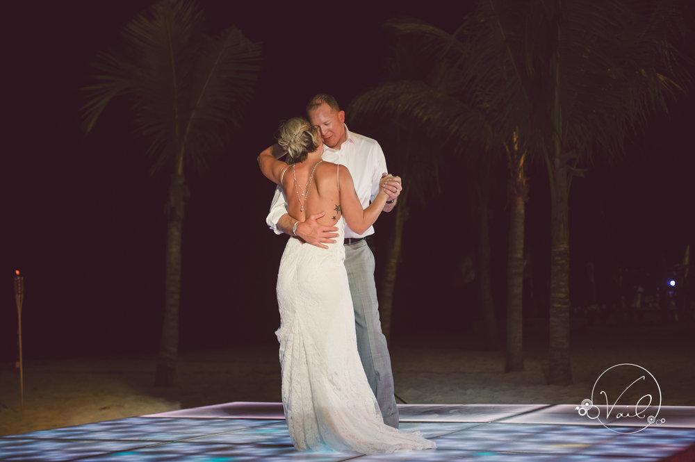 Cancun mexico destinatin wedding-51.jpg