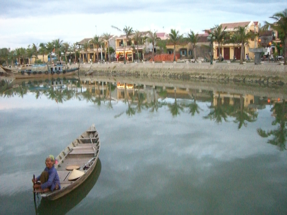 woman in a boat // hoi an, vietnam