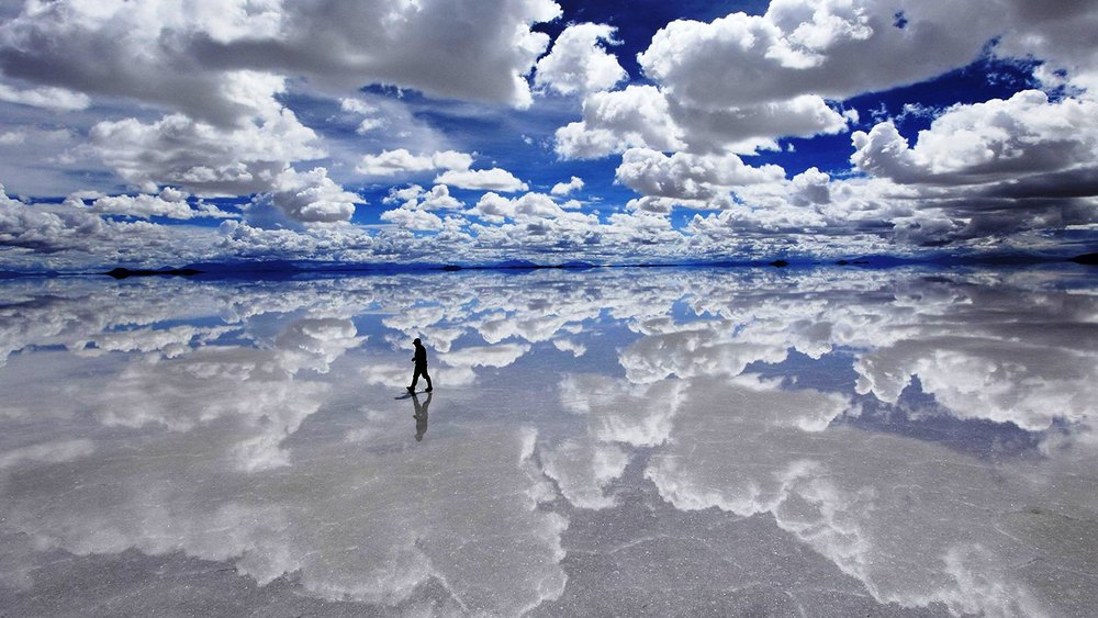 Salar de Uyuni image via Reddit