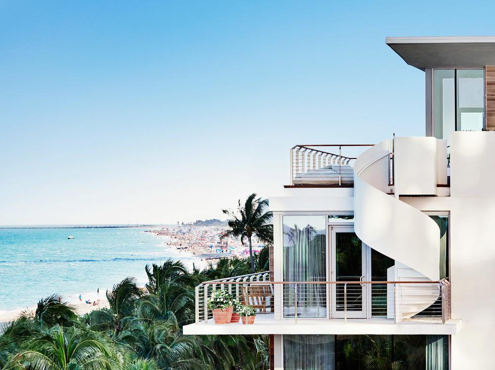 edition-miami-ian-schrager-spiral-staircase-ocean-view.jpg