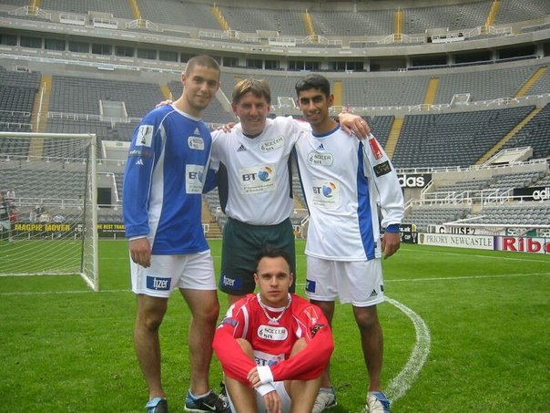 Float Sting's Arton Baleci with original freestyler Gerbeshi Faton, freestyle legend Abbas Farid and Peter Beardsley  in 2003