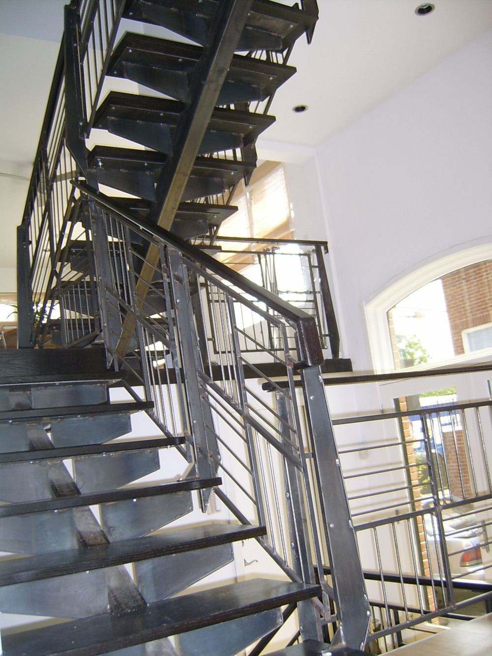 Horizontal and vertical mix railing
