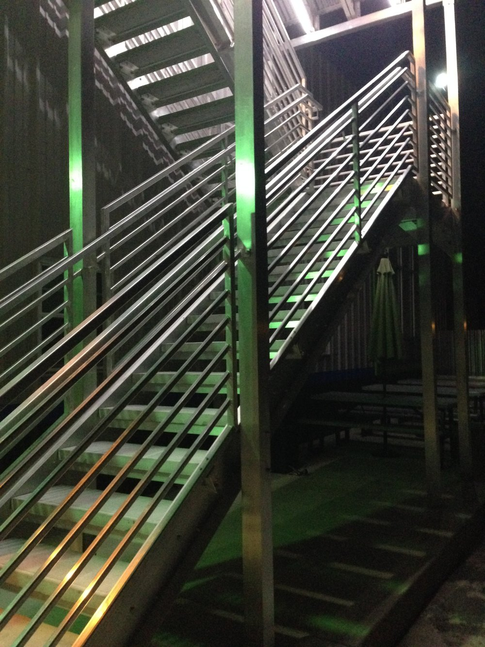 aluminium horizontal railing and staircase.JPG