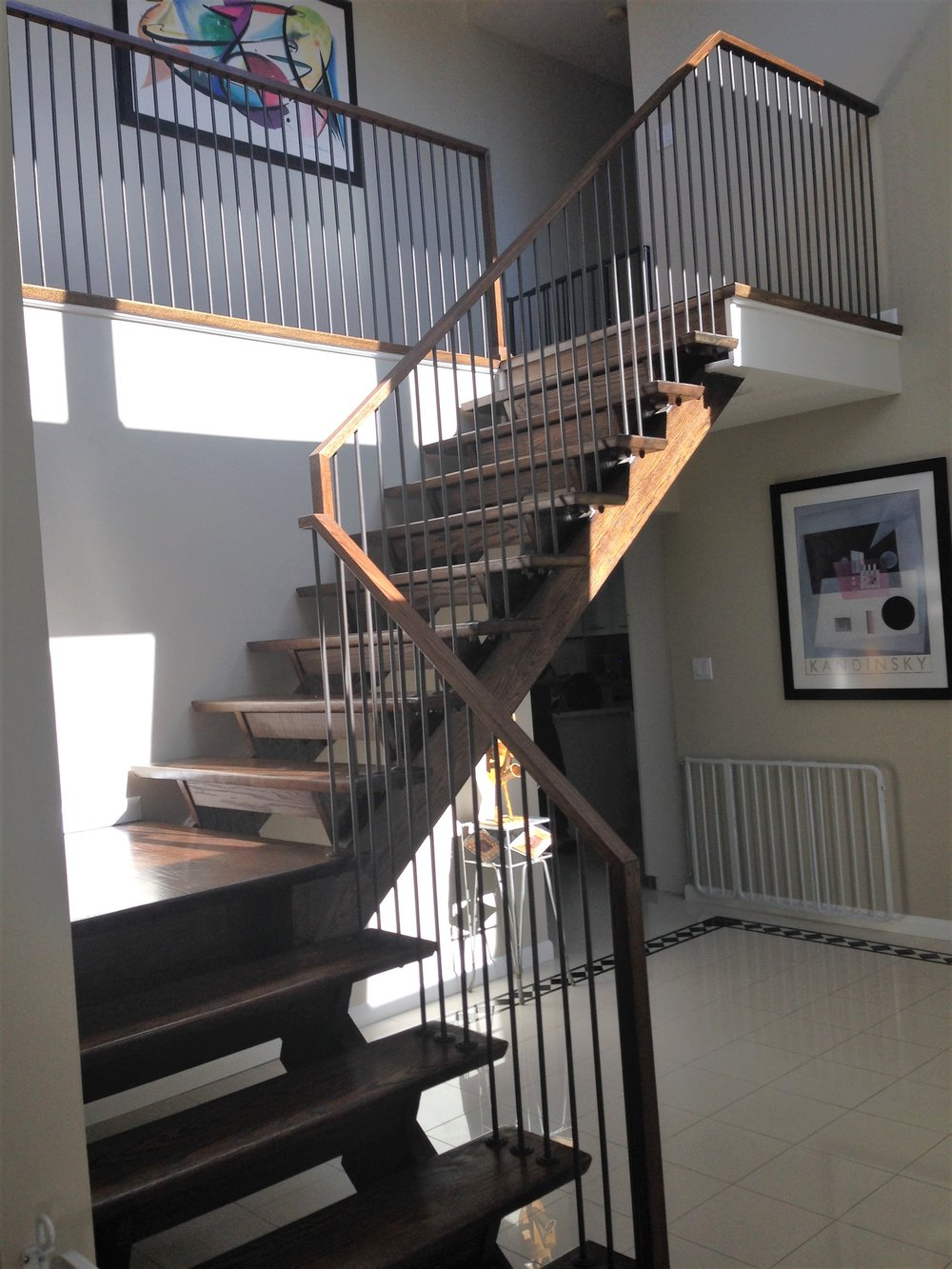 Residential vertical railing