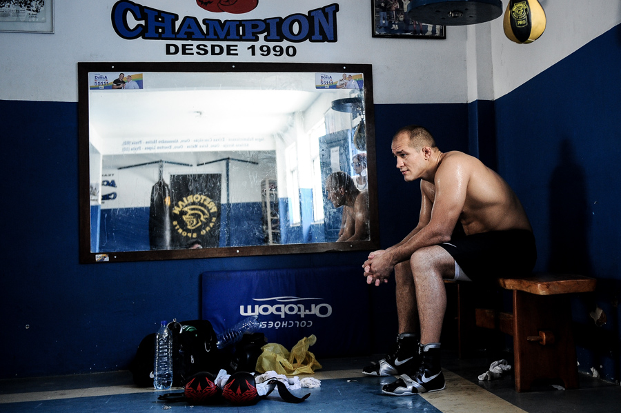 Junior Dos Santos after a grueling 2 hour workout.