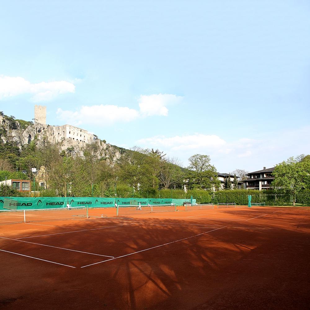 Tennisplatz-1.JPG