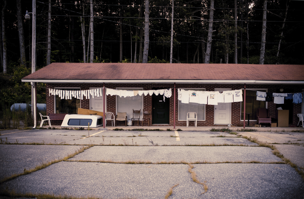 Motel and Clothesline, North Carolina, Tamara Reynolds