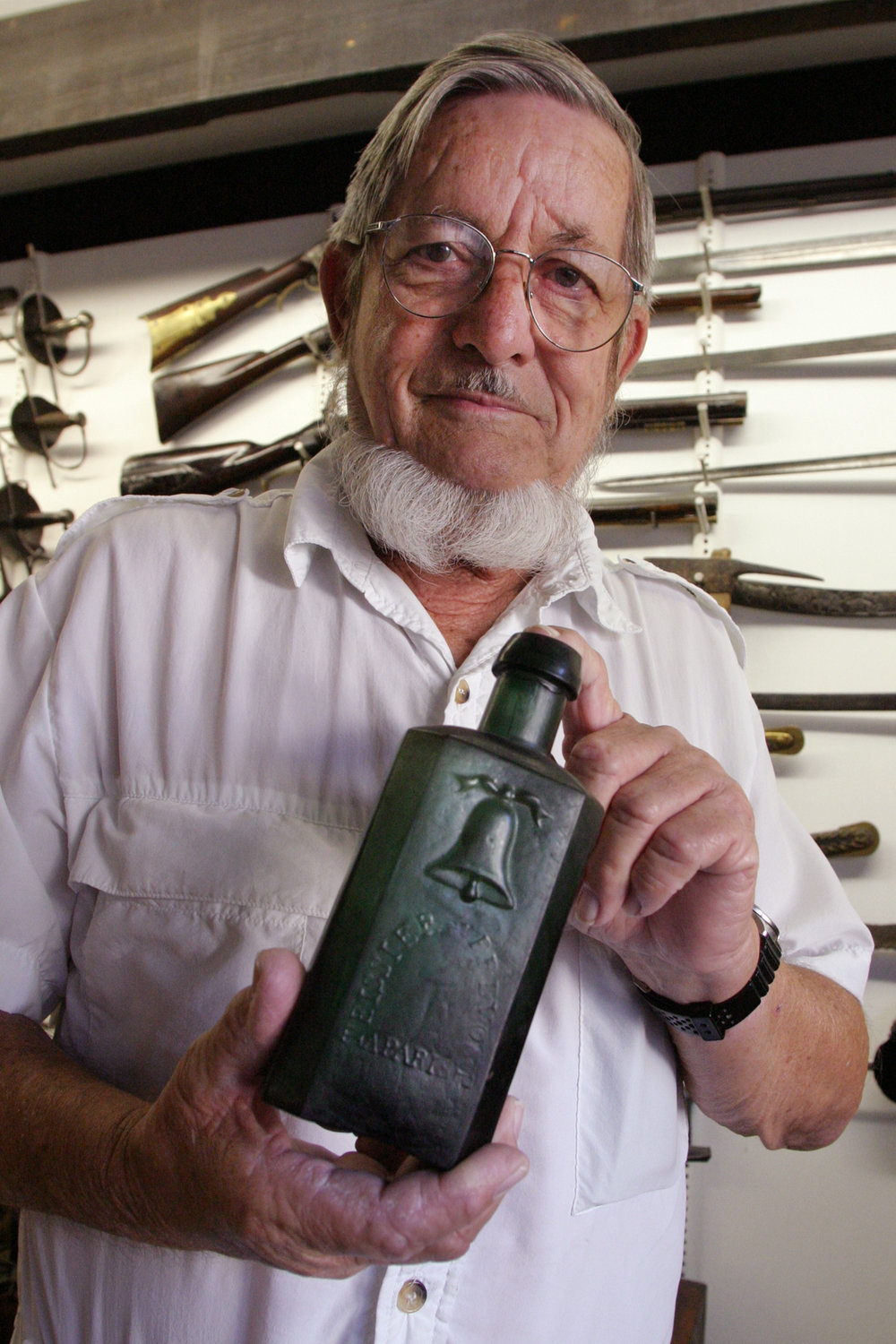 JACK WILLIAMS WITH OLD BOTTLE 2003, Photo by WALTER COKER