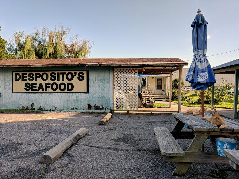 restaurant-exterior-02.jpg