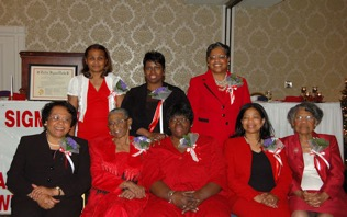Charter Members at Williamsburg Alumnae's 30th Chapter Anniversary