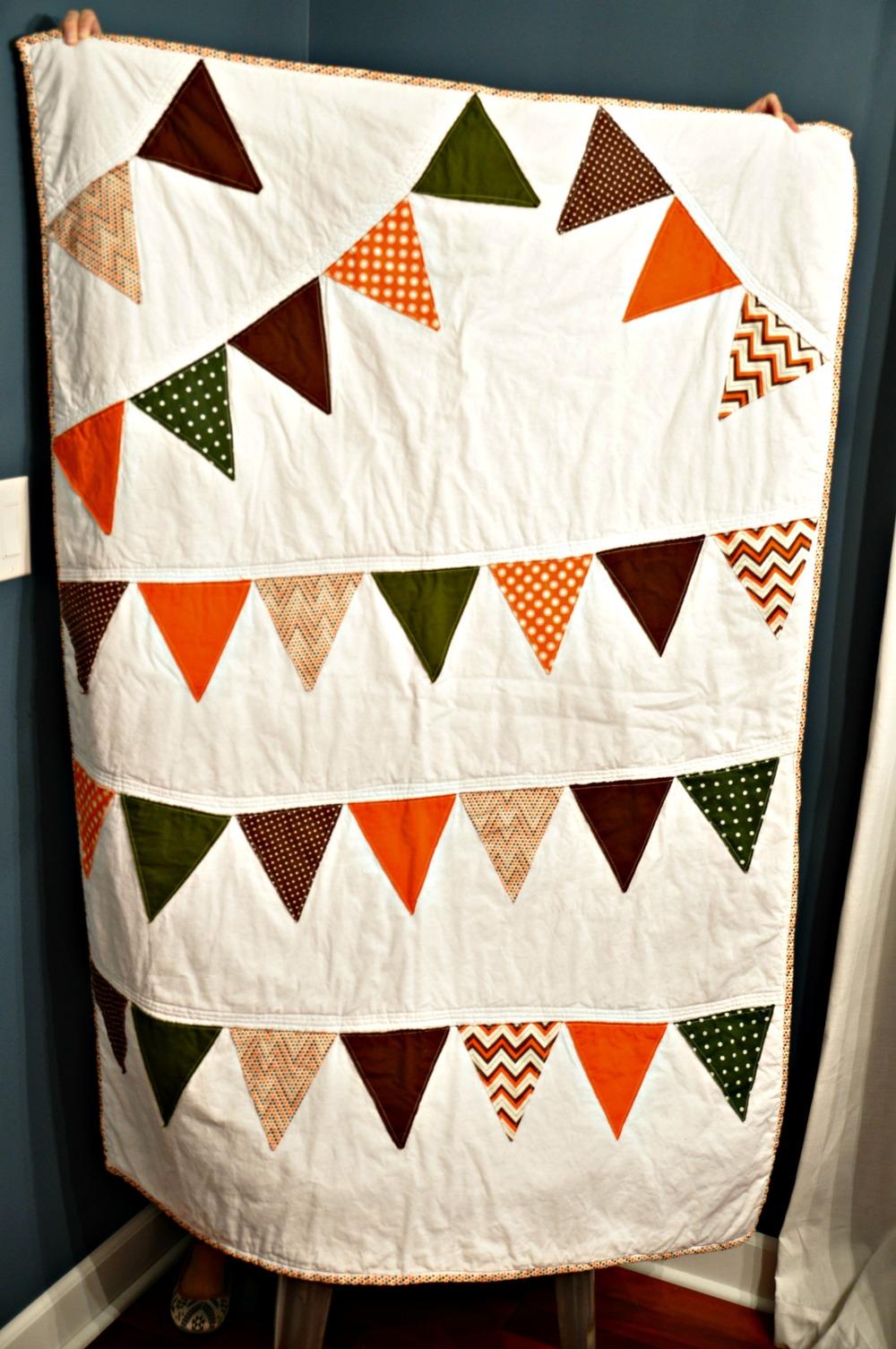 Toddler pennant quilt.jpg