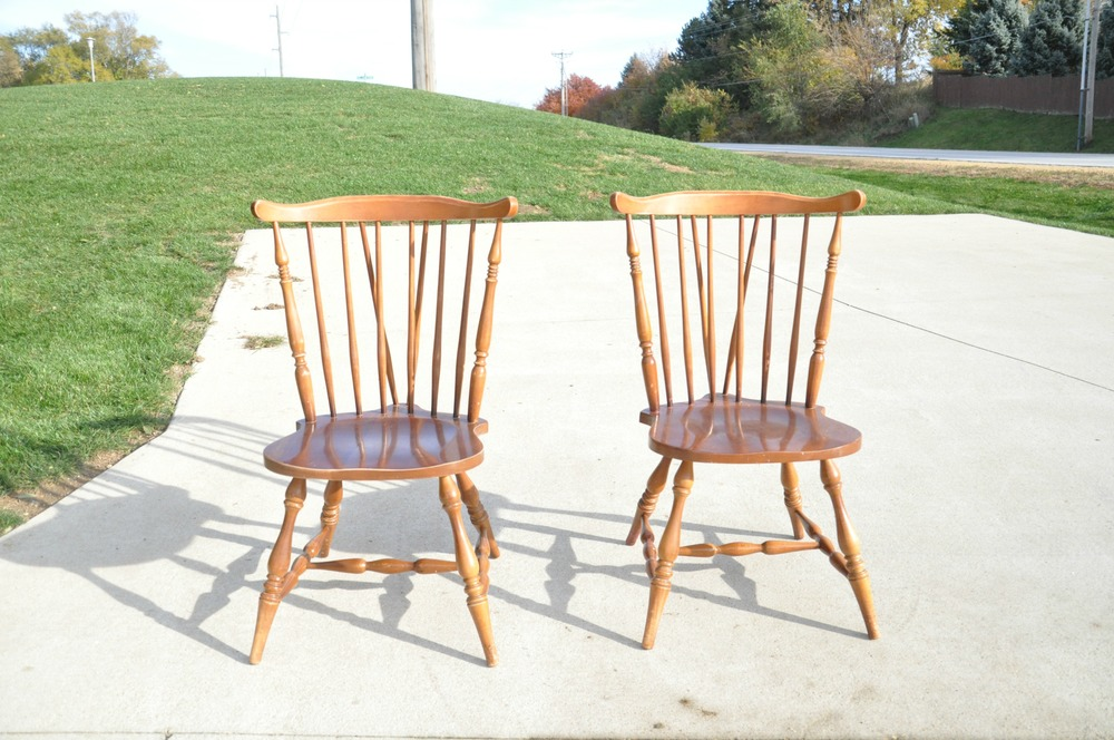How To Spray Paint Chairs The Easy Way!