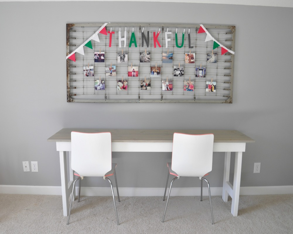 Thankful word banner.jpg