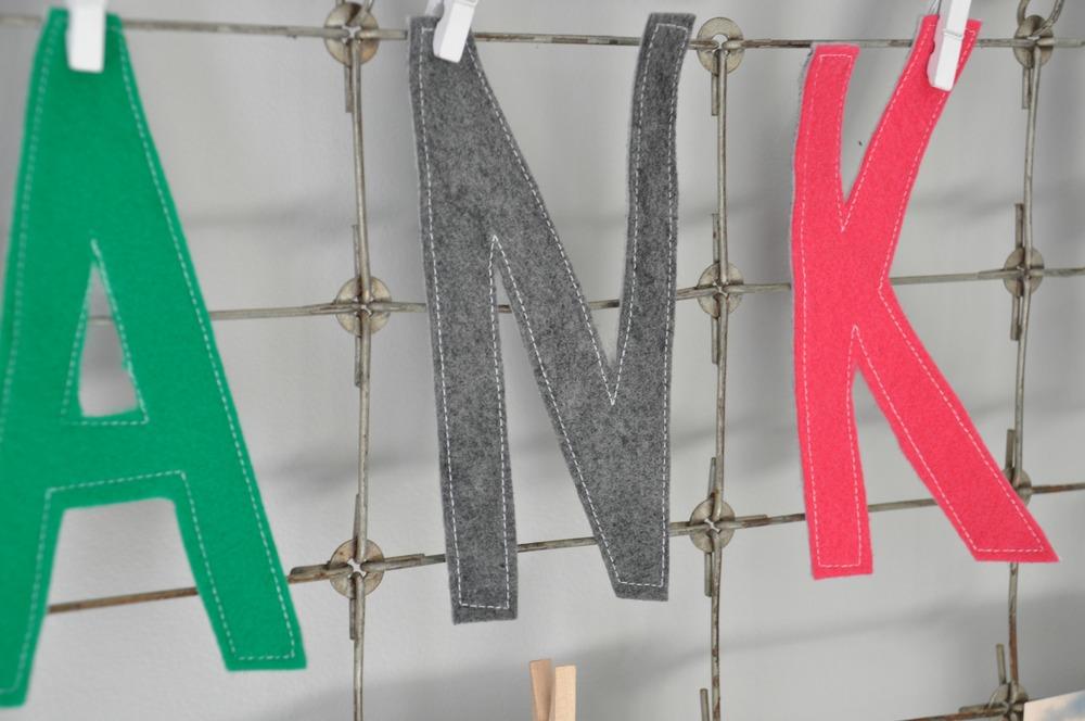 Thankful Word Banner close.jpg