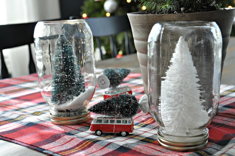 Christmas centerpiece with mason jars.jpg