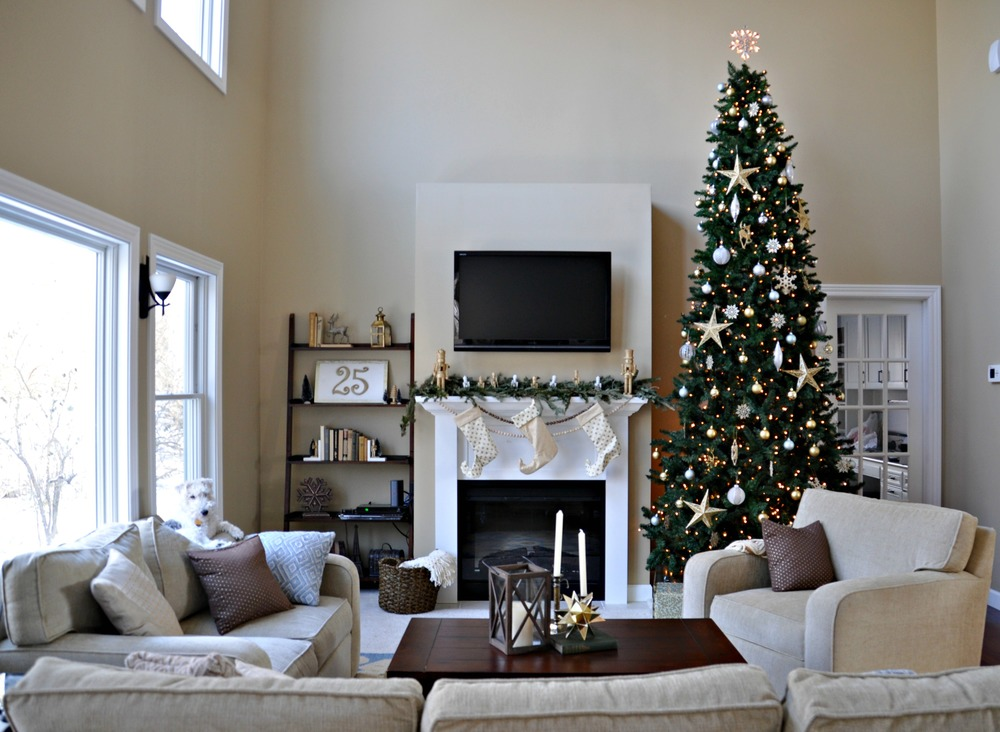 Holiday home tour living room decor and the dog for Living room xmas ideas