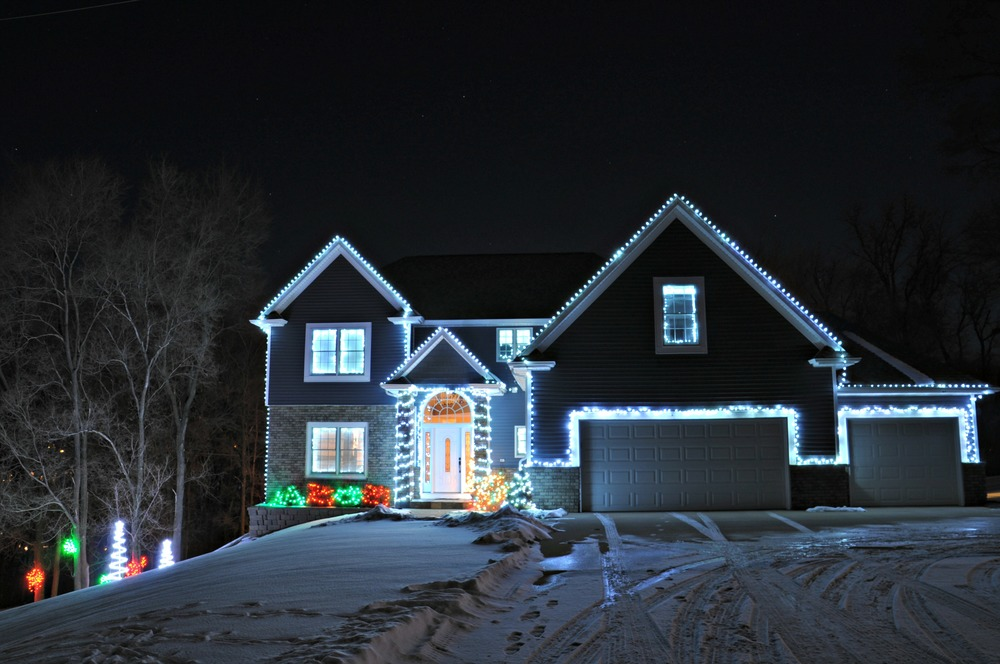 Outdoor Lights 2013 {decor and the dog}