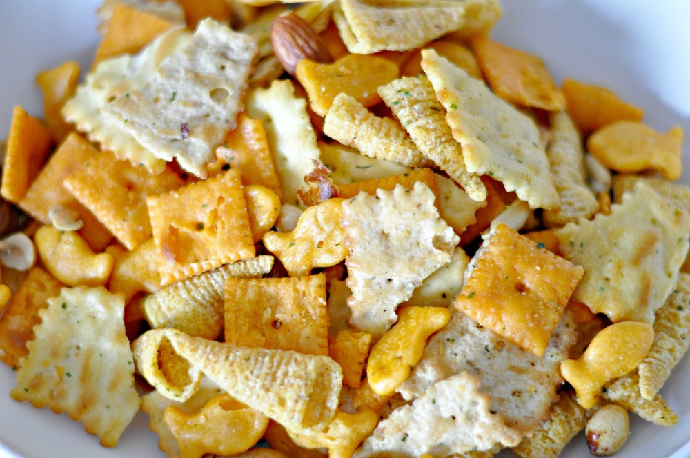 Dolly's Mix: A Party Snack Mix {decor and the dog}