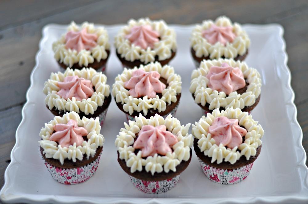 Neapolitan Cupcakes | Decor and the Dog