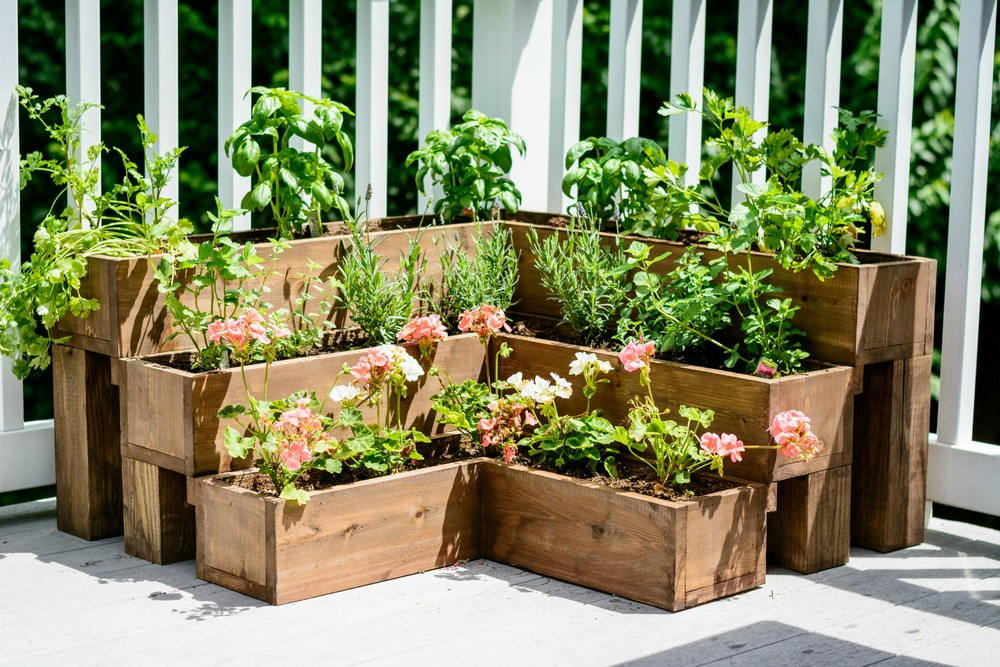 DIY Tiered Herb Garden.  Great raised herb garden for decks!