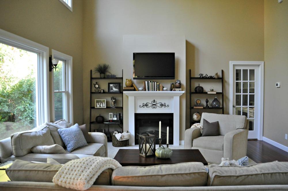 "Living Room Built-in ""tutorial"""