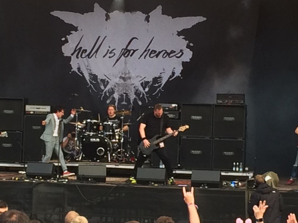 Hell is for Heroes live.jpg