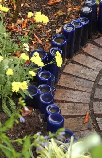 garden-edging-bottles.jpg
