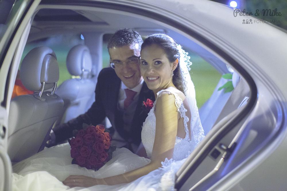 Juan & Ana. Radiantes. En algún rincón de la Comunidad Valenciana...