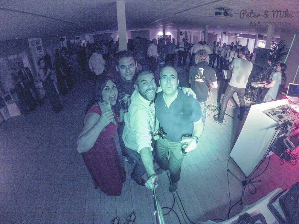 peterandmike and Cristina en nuestro papel de fotógrafos invitados... :)