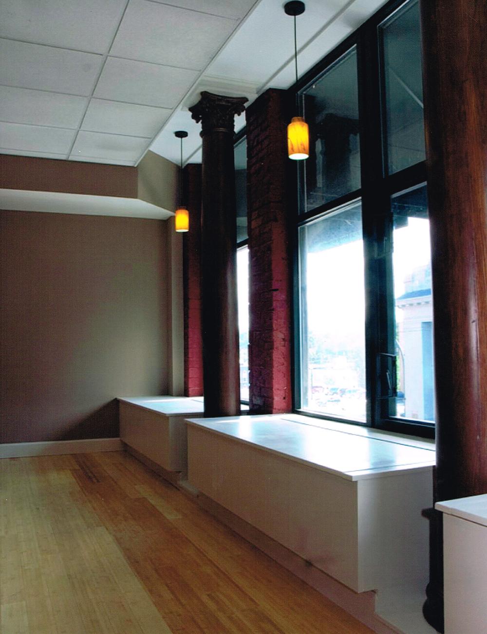 208 Interior  .jpg