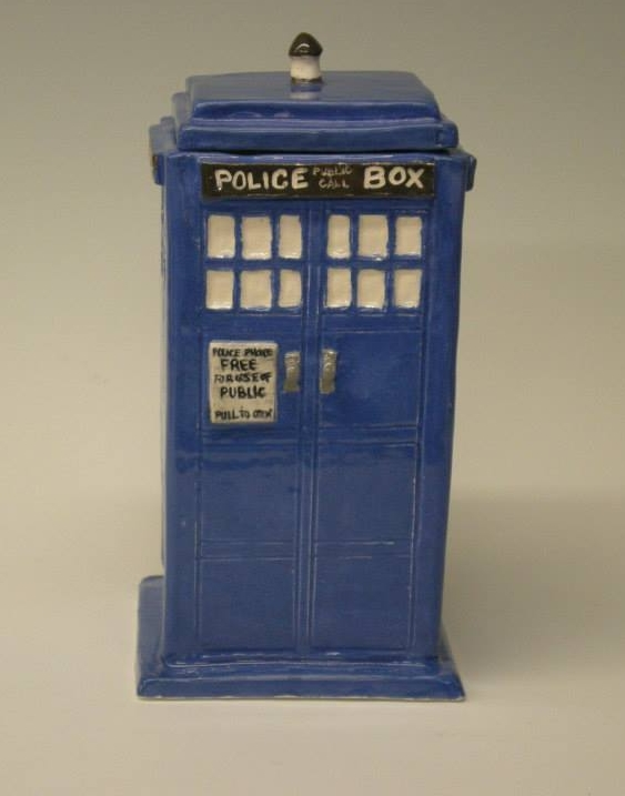 dr who phone booth.jpg
