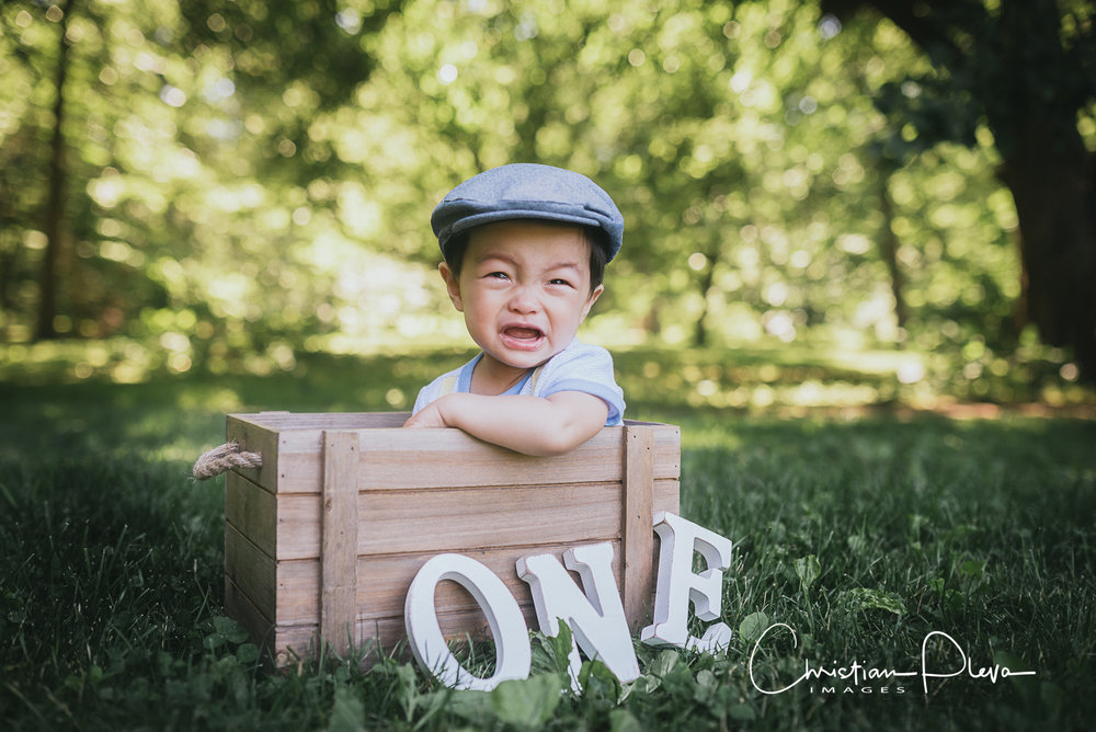 Any tips on what to bring to a shoot?  Bring snacks and toys to distract your little one! Anything that can grab their attention when they start being fussy.