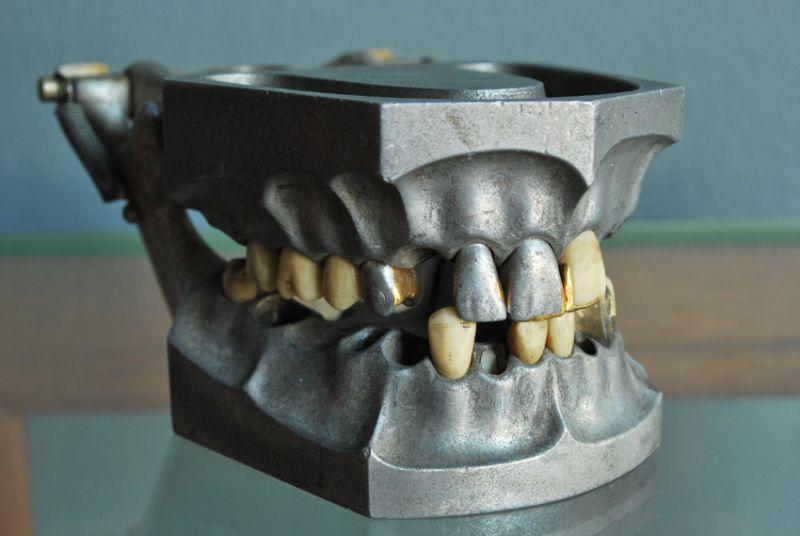 teethset2.jpg