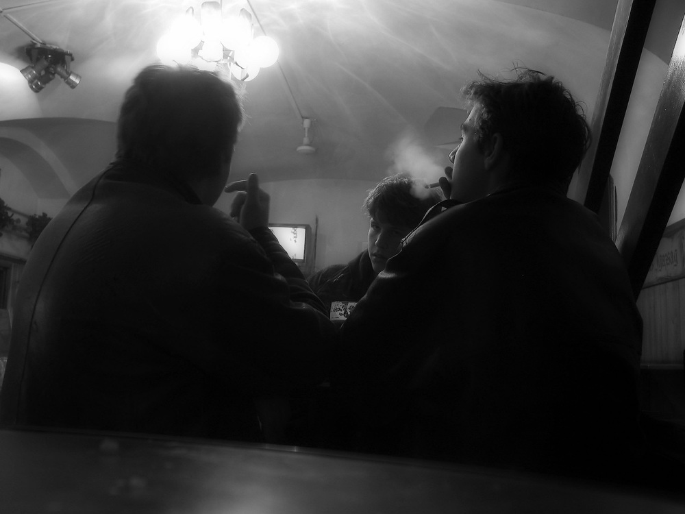 Smokers, Budapest