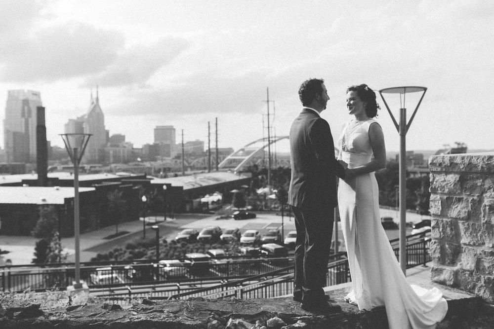 Bride_Groom_Downtown_Nashville_-1.jpg