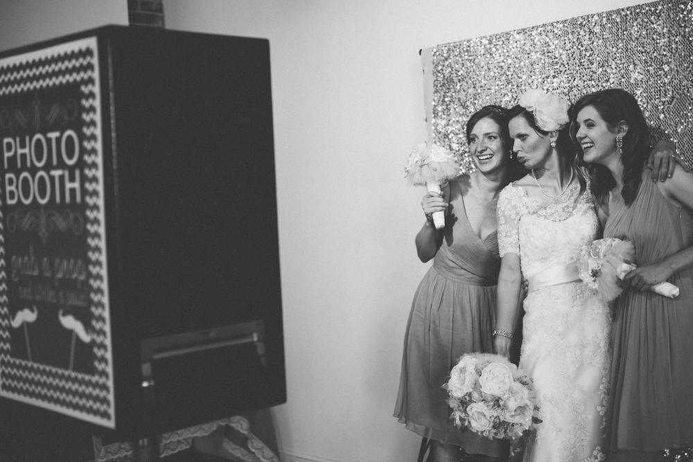 Nashville_TN_Wedding_Photographers_36.jpg