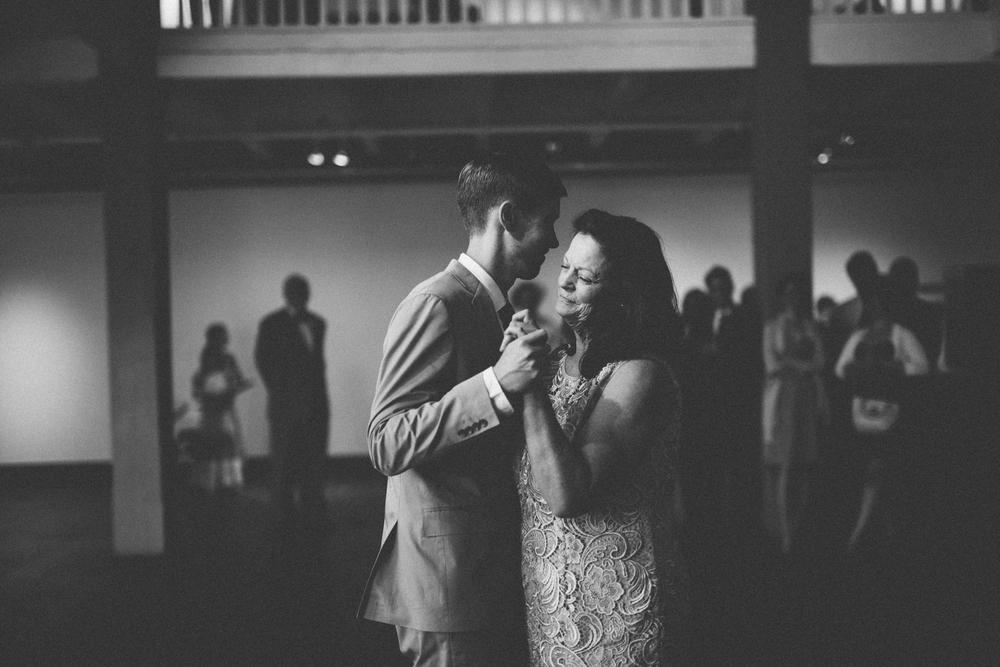 Nashville_TN_Wedding_Photographers_40.jpg