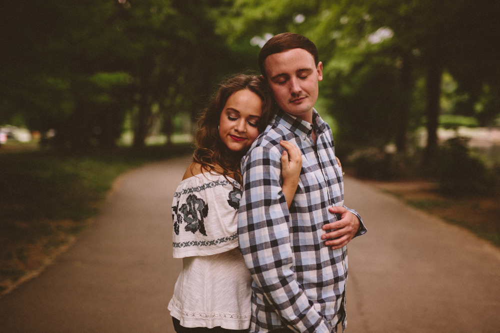 Centennial_Park_Engagement_Photos_Nashville_TN-106.jpg