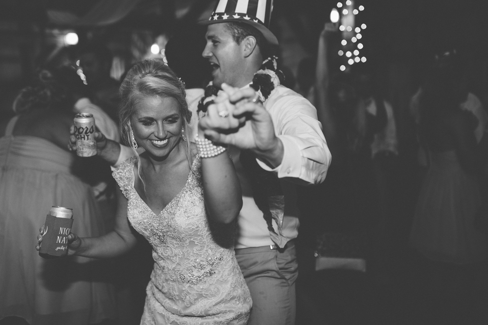 Nashville_Wedding_Photojournalists_-101.jpg