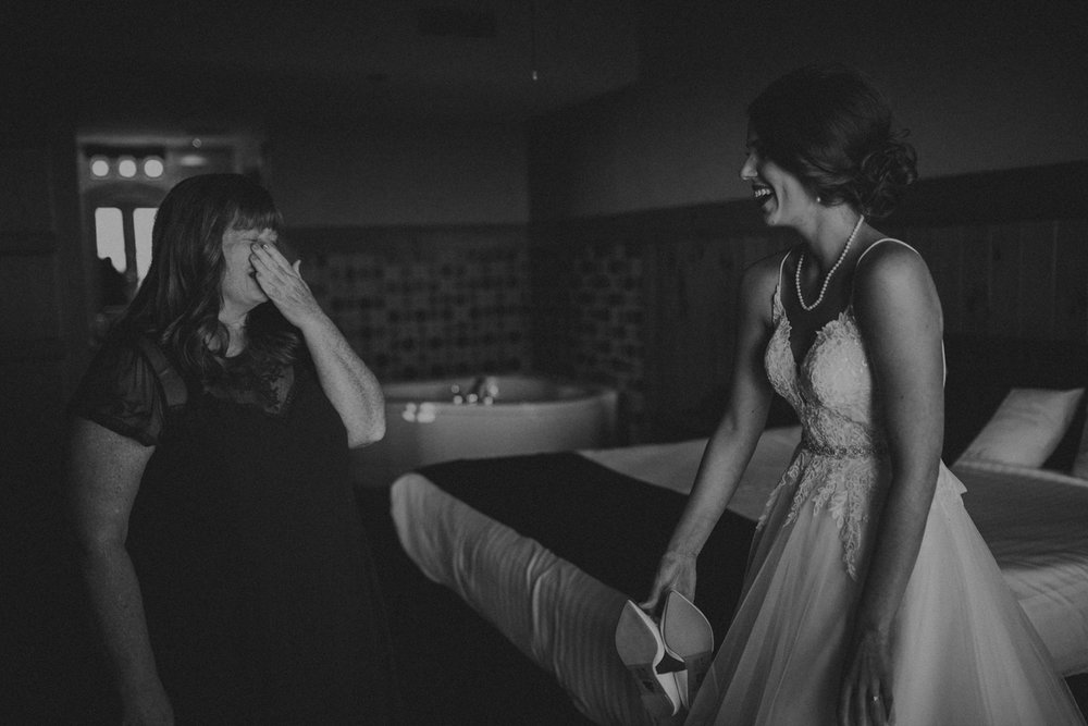 Best_Nashville_Wedding_Photographers_-24.jpg