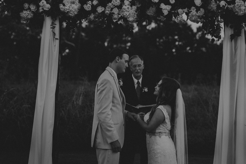 Nashville_Wedding_Photographers_-484.jpg