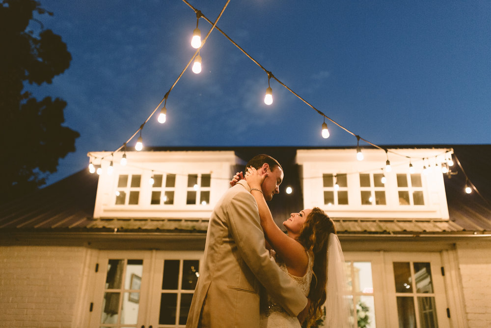 Nashville_Wedding_Photographers_-523.jpg