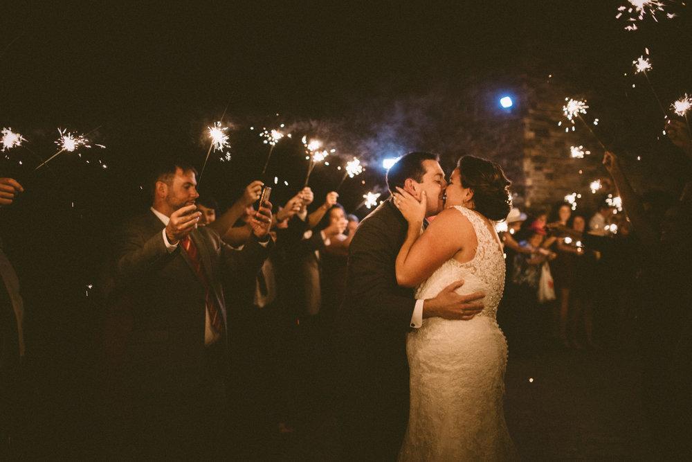 Best_Nashville_Wedding_Photographers_-116.jpg